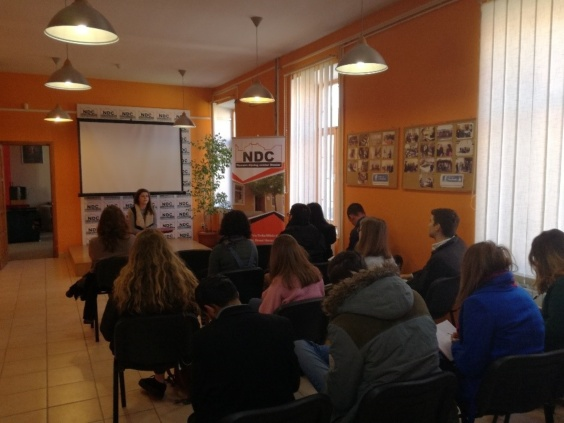 Students visiting Nansen Dialogue Centre in Mostar